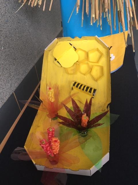 . Magiczny świat pszczół